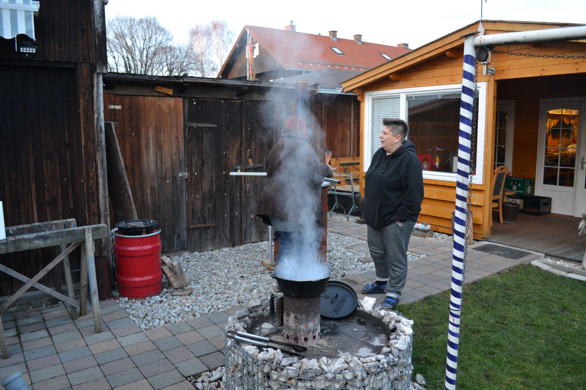 feuerstelle selber bauen fragen dazu und anregungen gesucht grillforum und bbq www. Black Bedroom Furniture Sets. Home Design Ideas
