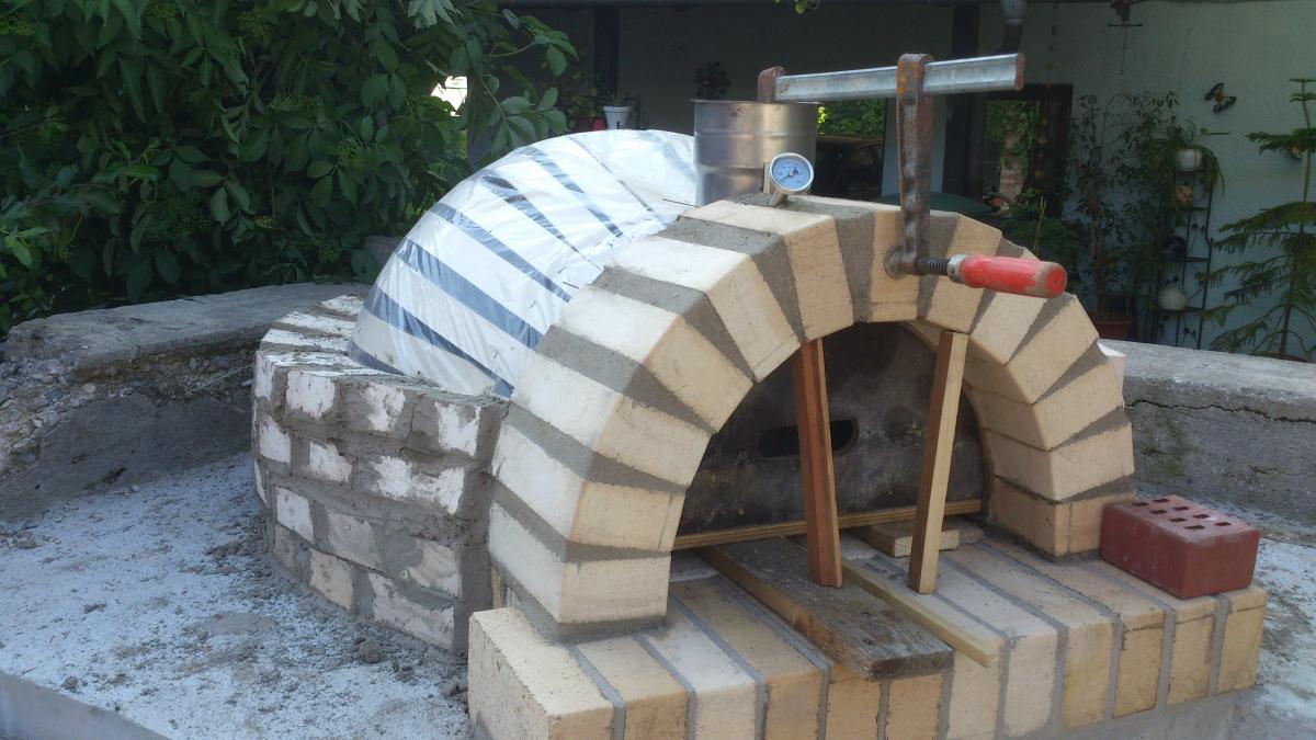 holzbackofen smoker und r ucherofen eigenbau grillforum. Black Bedroom Furniture Sets. Home Design Ideas