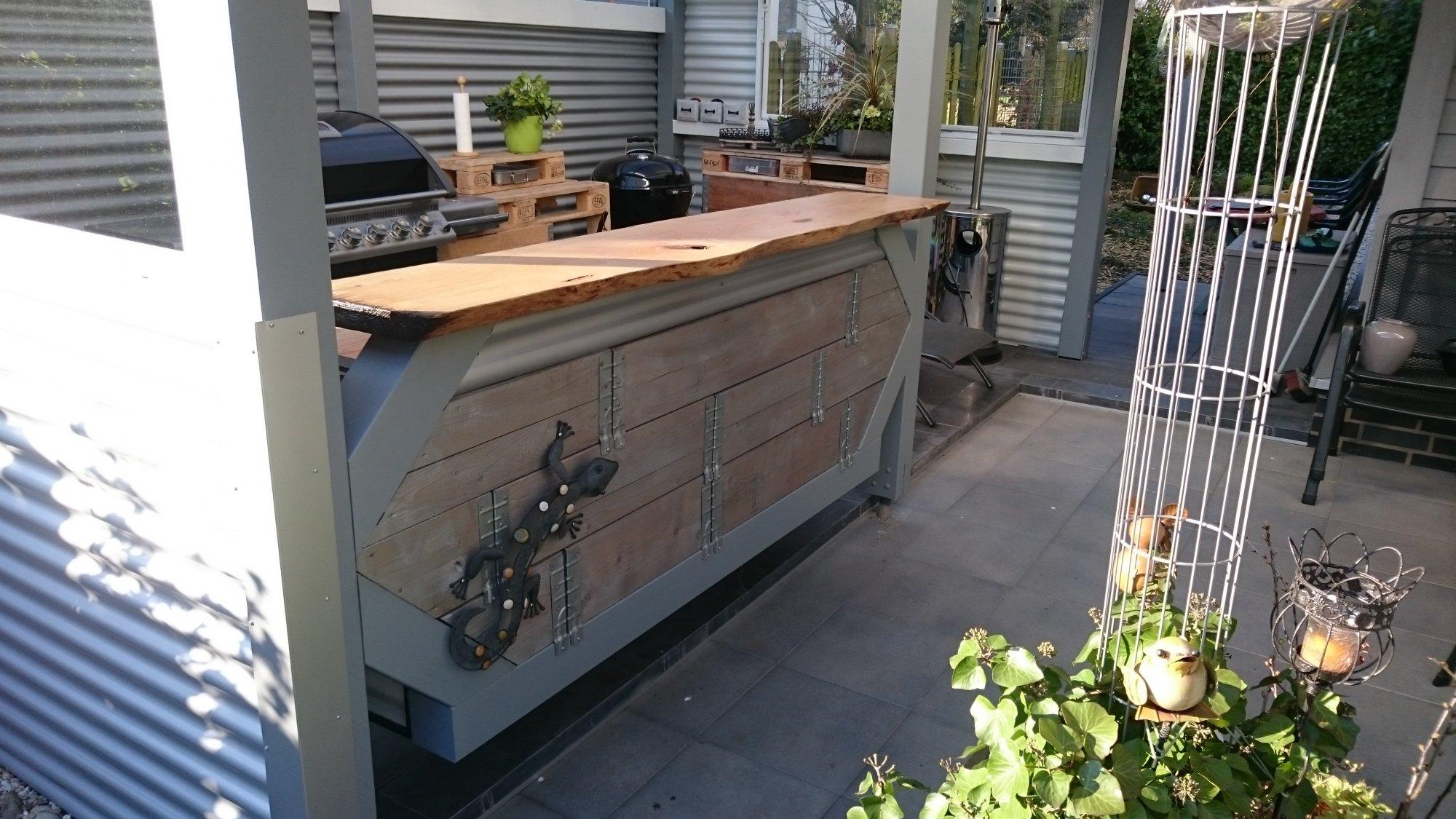 Outdoor kuche mit theke for Aussenkuchen module