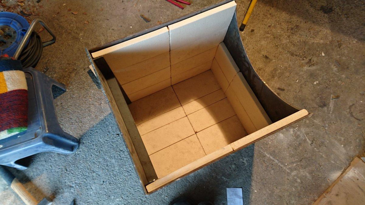 reverse flow mit turm eigenbau seite 2 grillforum und bbq. Black Bedroom Furniture Sets. Home Design Ideas