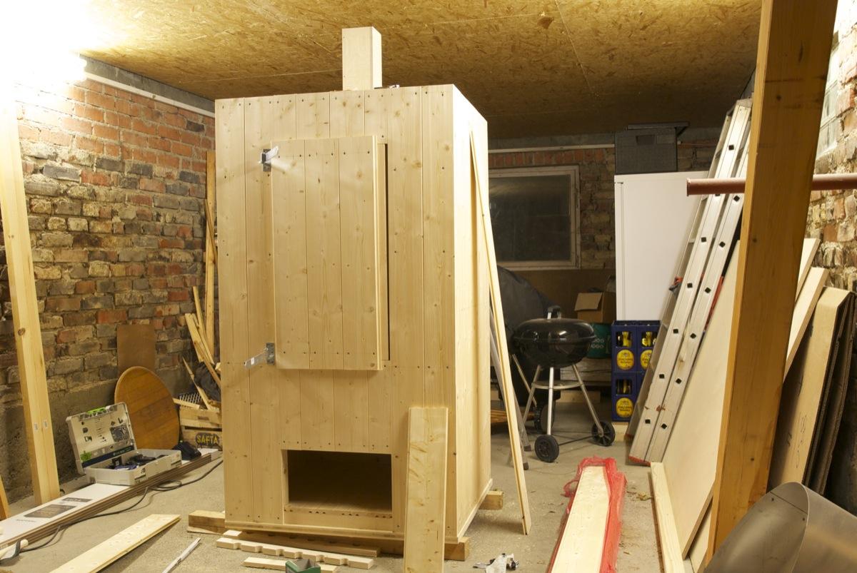 auch hier wird bald ger uchert holzr ucherschrank im eigenbau seite 3 grillforum und bbq. Black Bedroom Furniture Sets. Home Design Ideas