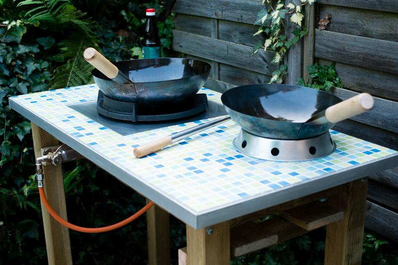 wok brenner mit tisch grillforum und bbq. Black Bedroom Furniture Sets. Home Design Ideas