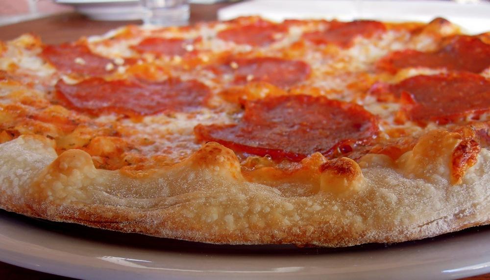 pizza salami a la helixx wie beim italiener um die ecke. Black Bedroom Furniture Sets. Home Design Ideas