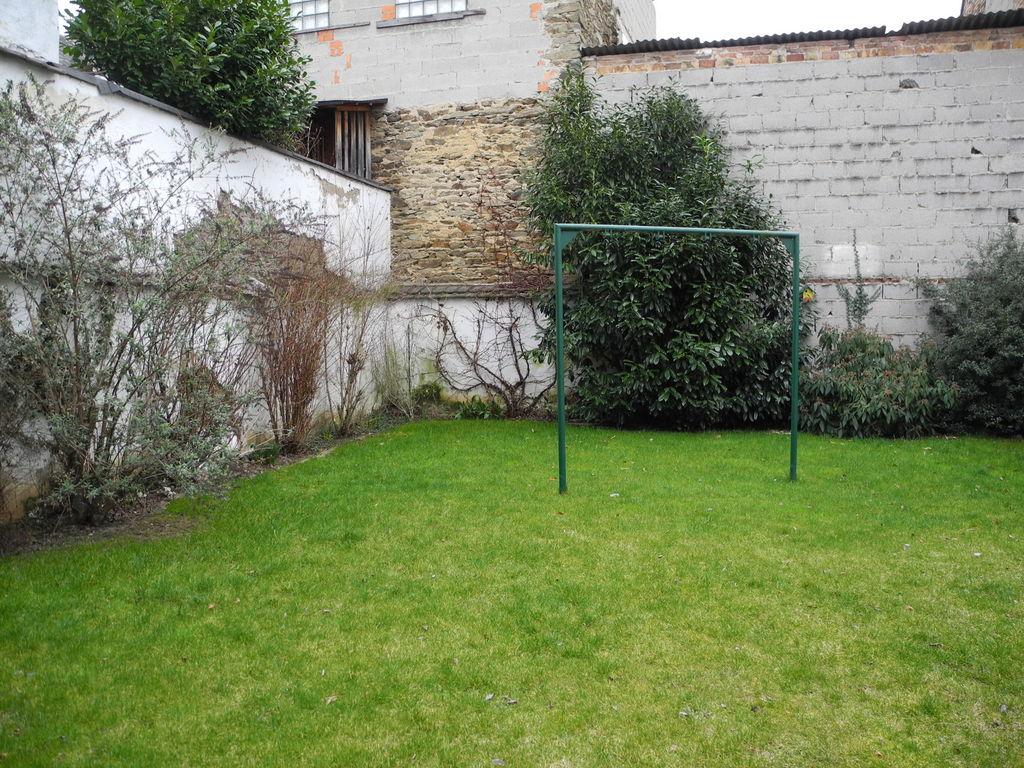 frage wie kann man eine gartenmauer verkleiden verputzen grillforum und bbq www. Black Bedroom Furniture Sets. Home Design Ideas