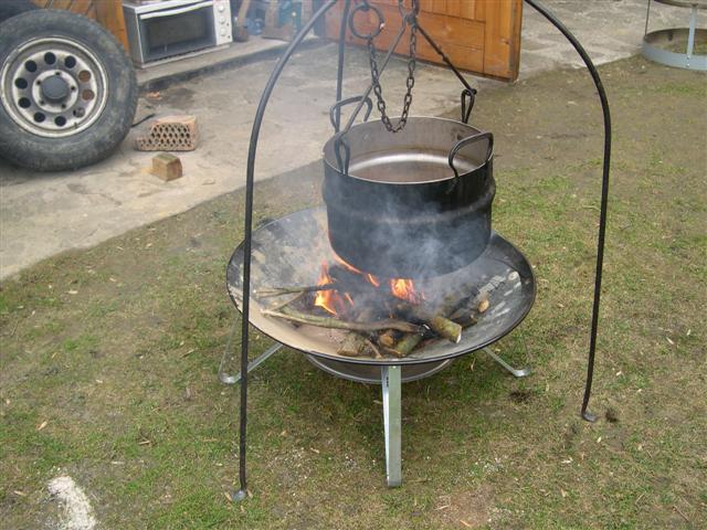 Gemauerte feuerstell f r do gulaschkessel und offene for Gemauerte feuerstelle