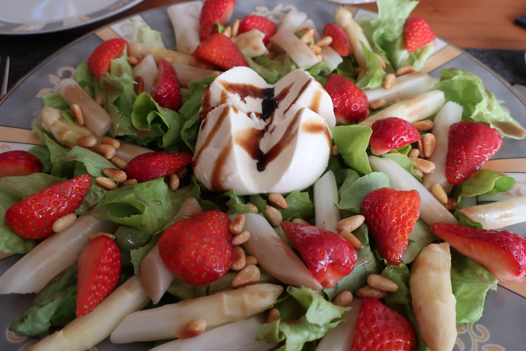Erdbeer-Spargel-Salat (3).JPG