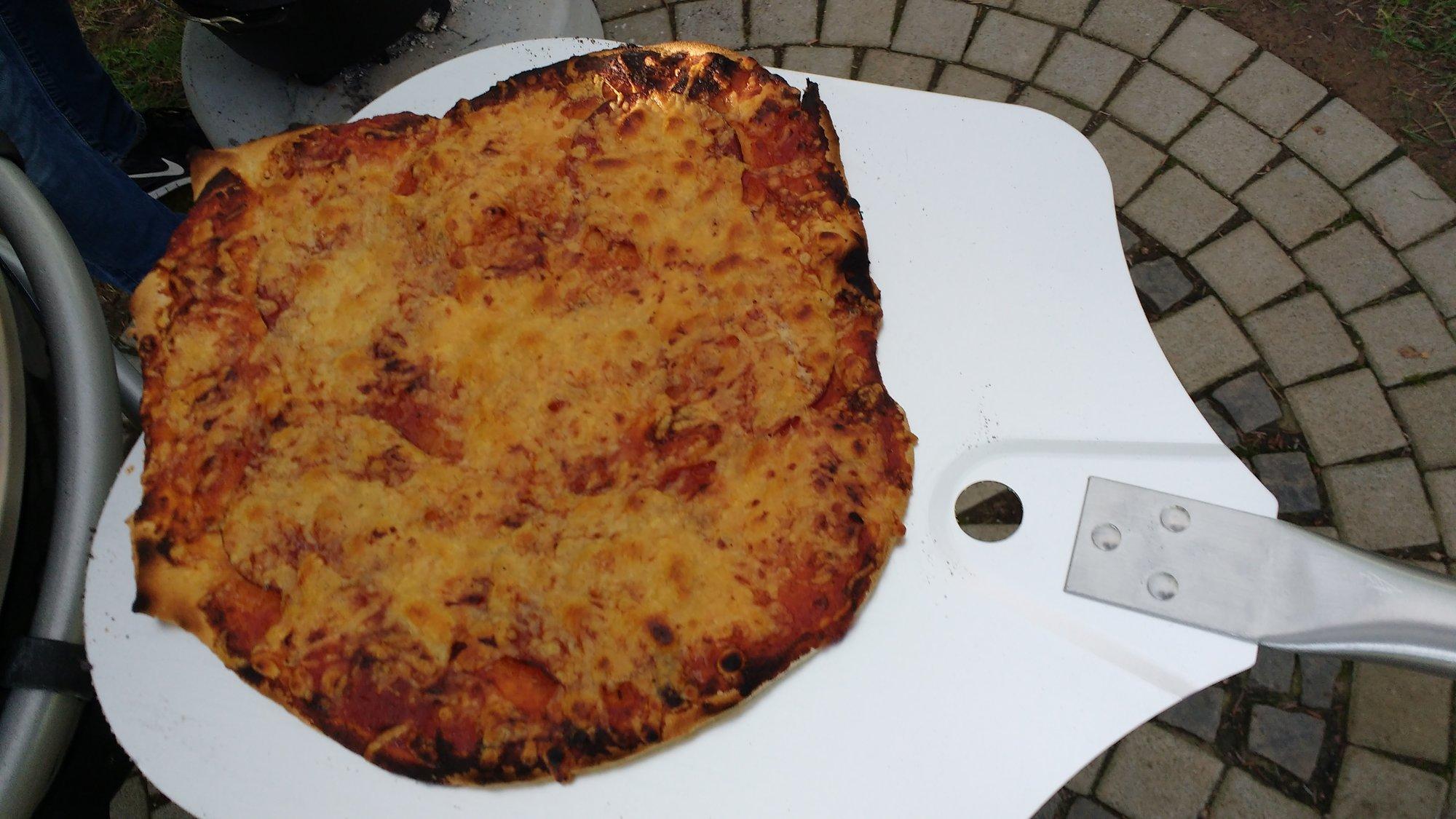 erste Pizza.jpg