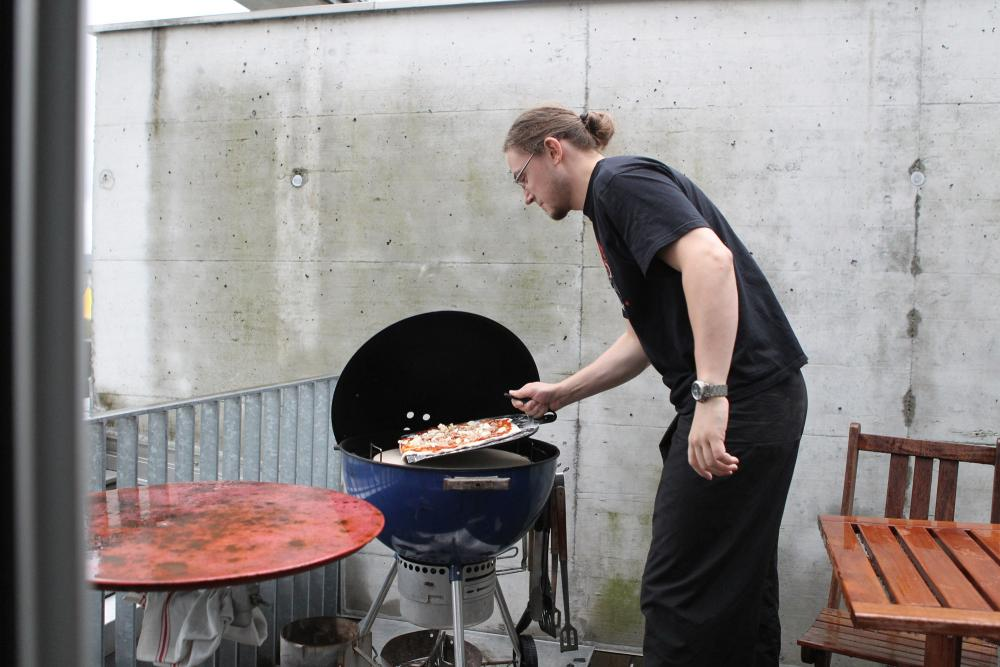 Pizzastein Für Gasgrill Outdoorchef : First strike outdoorchef pizzastein eingeweiht grillforum und