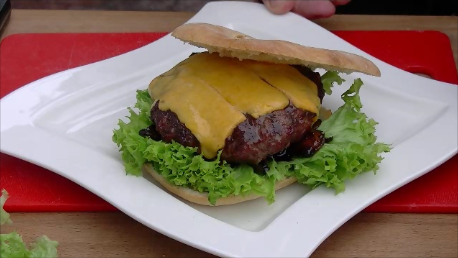 Fertiger Burger.png