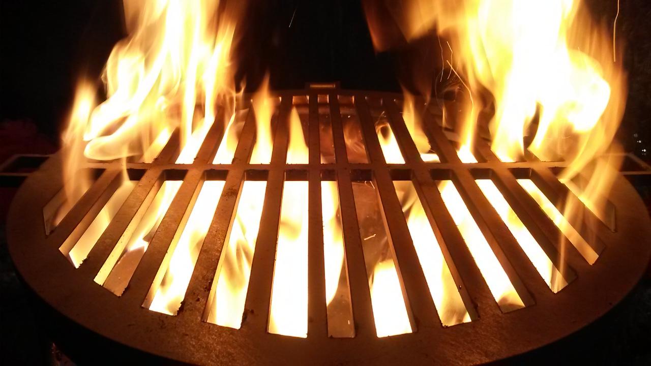Feuer beim Rost.jpg