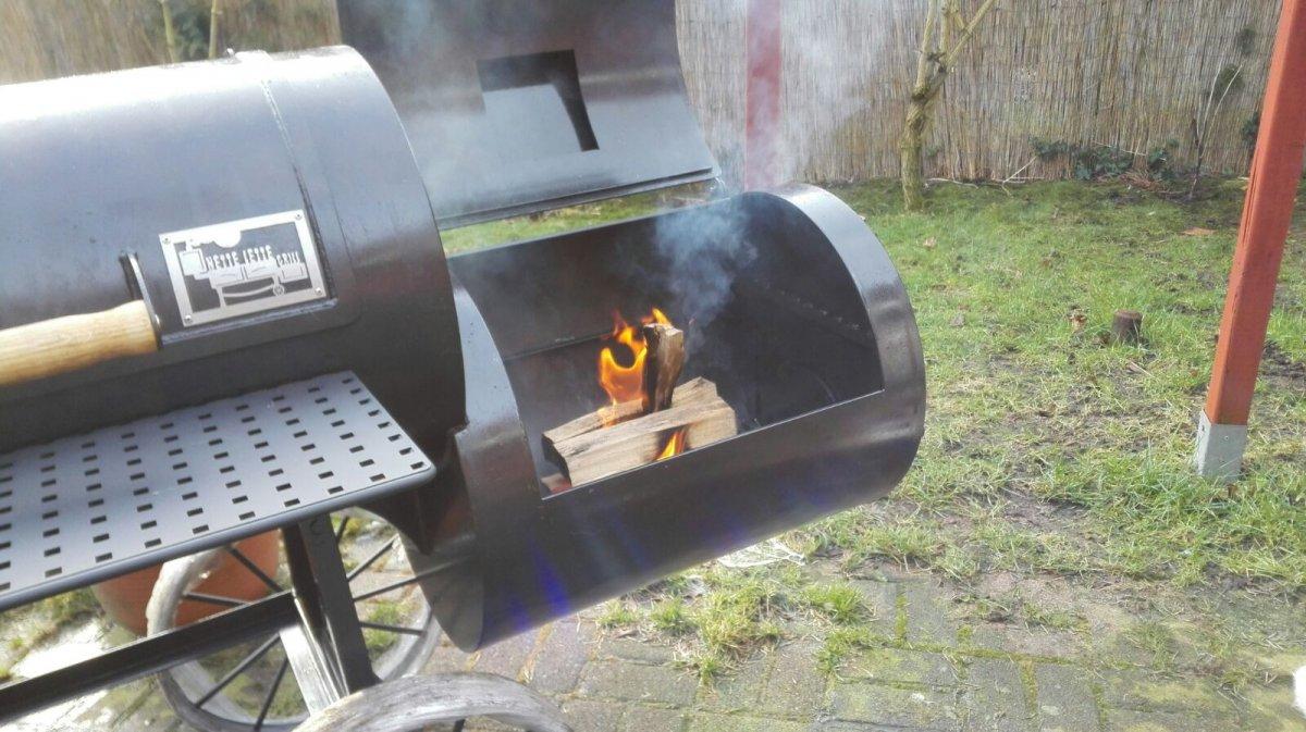 Feuer entfacht.jpg