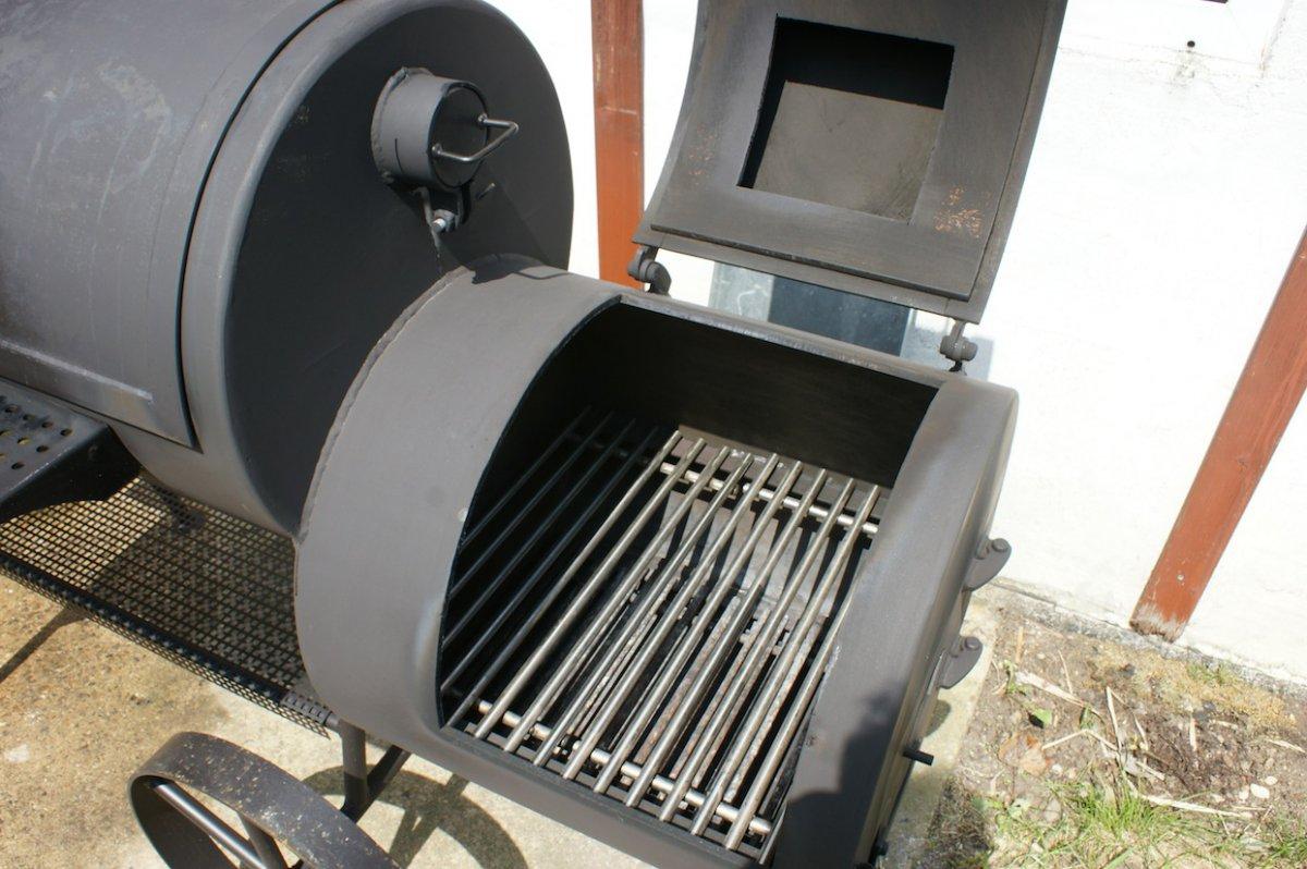 Feuerbox mit Grillrost.JPG