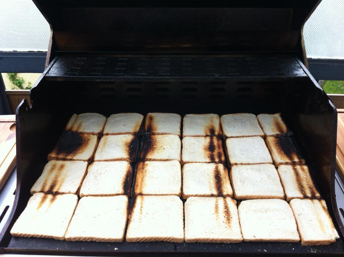 Aldi Gasgrill Grillsportverein : Toastbrottest zur bestimmung der hitzeverteilung beim gasgrill