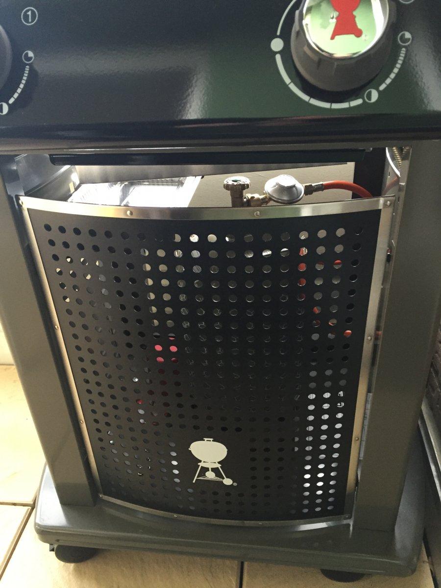 weber spirit eo 210 warum darf die gasflasche nicht in den wagen grillforum und bbq www. Black Bedroom Furniture Sets. Home Design Ideas