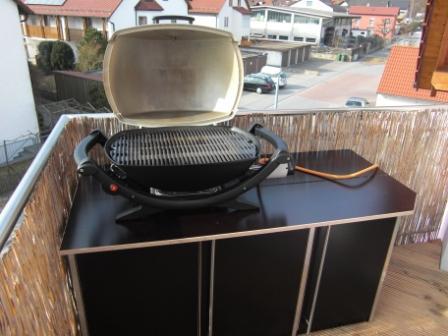 gasflasche im grill oder au erhalb grillforum und bbq. Black Bedroom Furniture Sets. Home Design Ideas