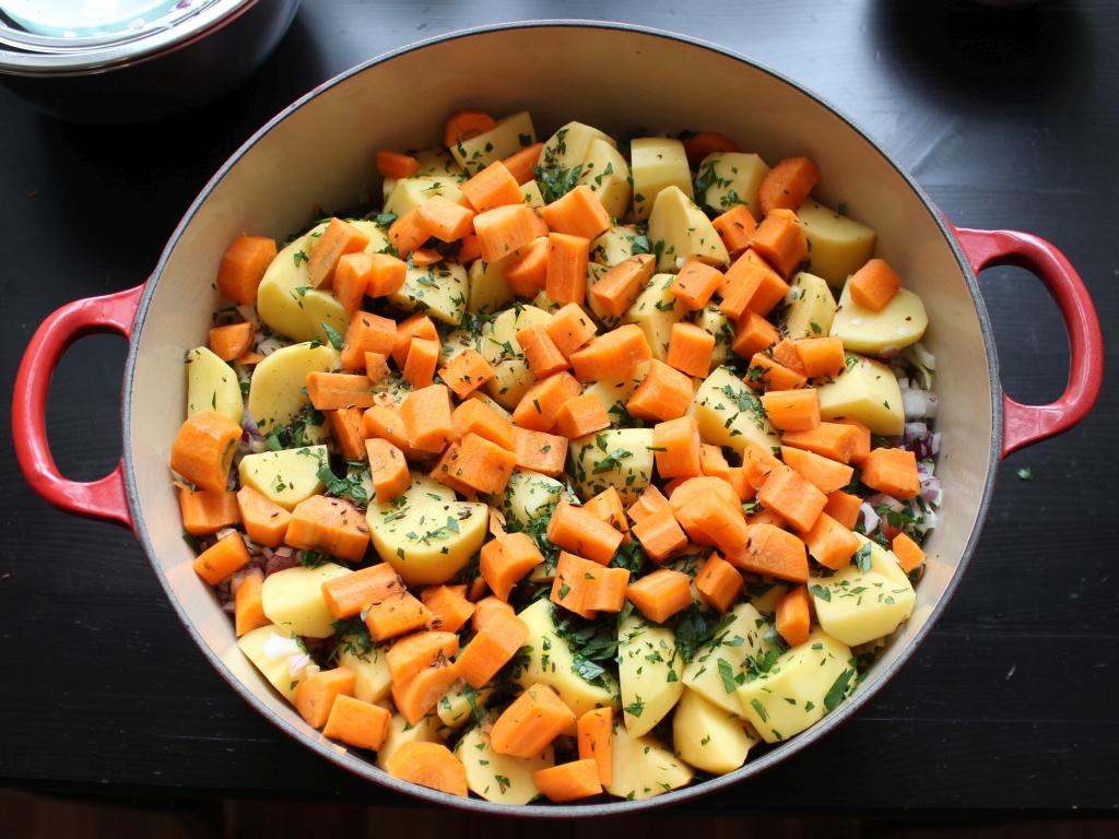 Gemüse-Surfleischeintopf_Geschichtet.jpg