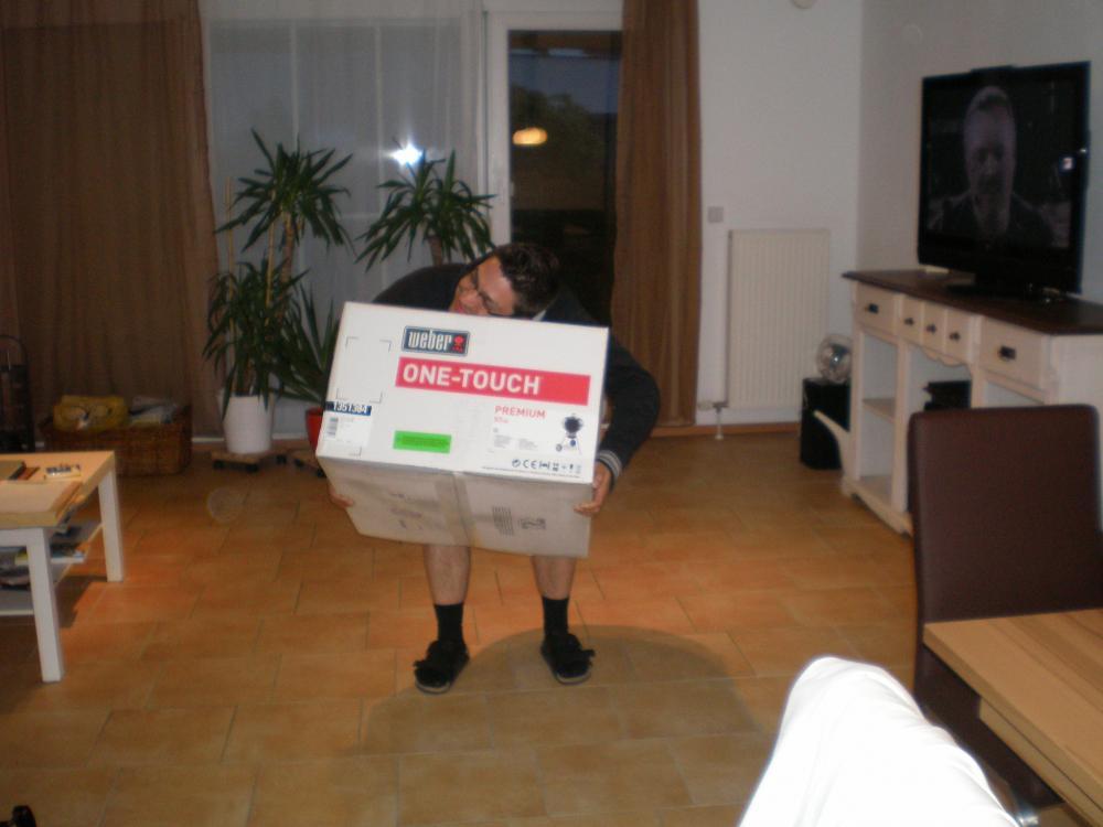 Grill-Auspack-Aufbau-Aktion 001.jpg