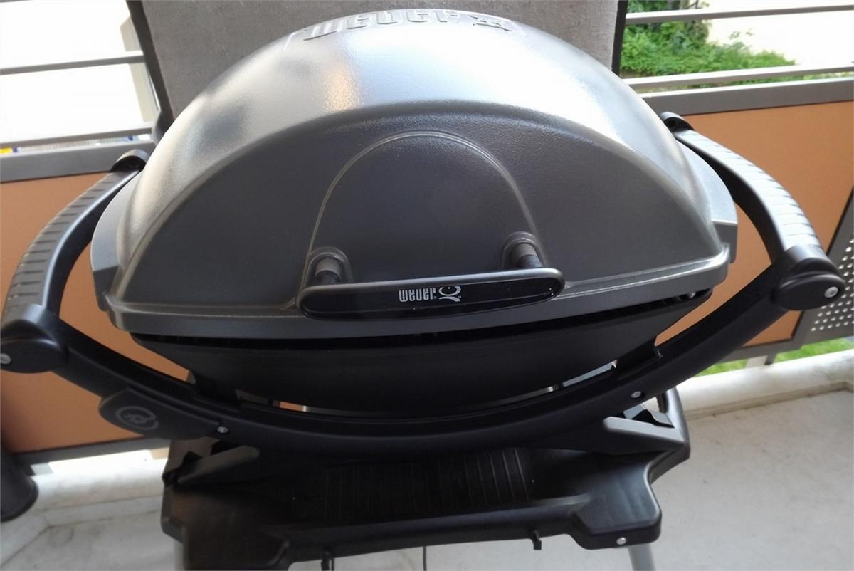 verkaufe weber q240 grillforum und bbq www. Black Bedroom Furniture Sets. Home Design Ideas