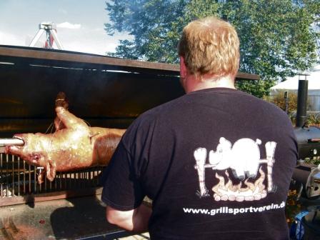grillen logotshirt1w.jpg
