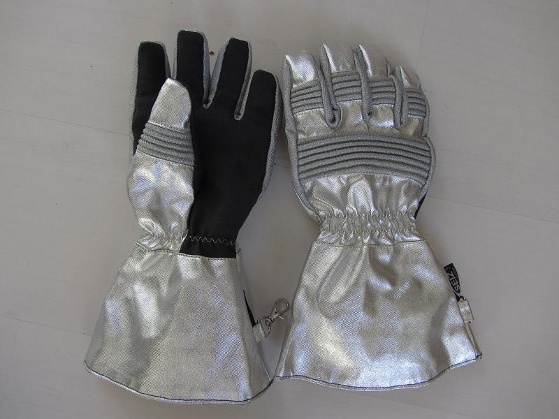 handschuh 002.jpg
