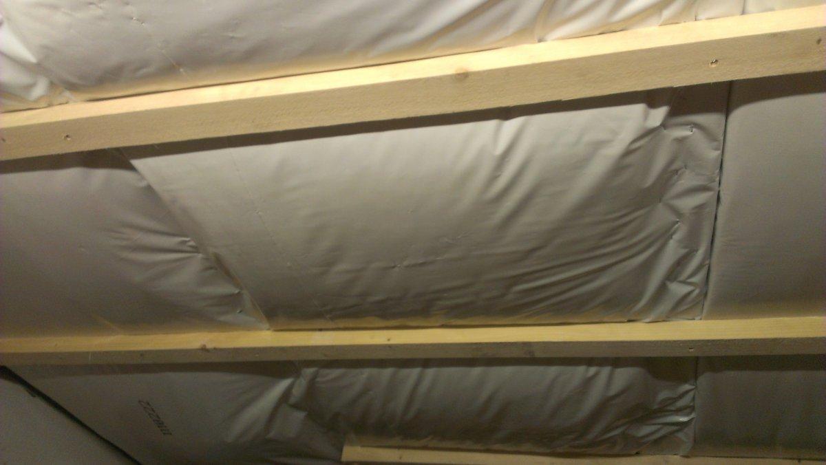 von innen wurde mit 20 cm steinwolle ged mmt und eine dampfsperre. Black Bedroom Furniture Sets. Home Design Ideas