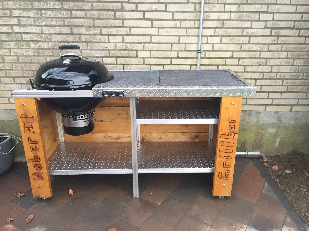 noch ein webertisch grillforum und bbq www. Black Bedroom Furniture Sets. Home Design Ideas