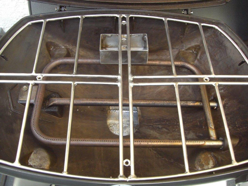 q 3200 pizzasteinhalterung mit r ucherbox f r pizzastein und grillspie grillforum und bbq. Black Bedroom Furniture Sets. Home Design Ideas