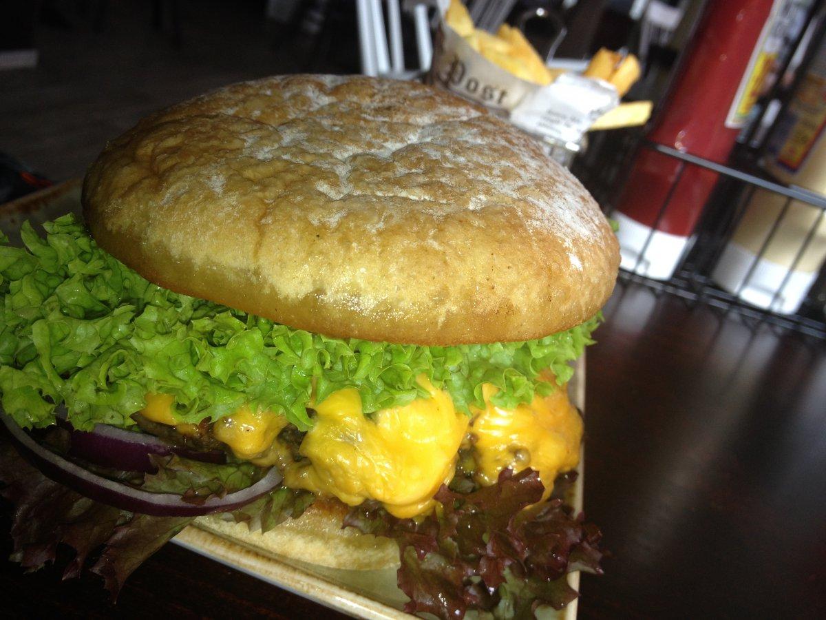 naples burgerrestaurant w rzburg grillforum und bbq. Black Bedroom Furniture Sets. Home Design Ideas