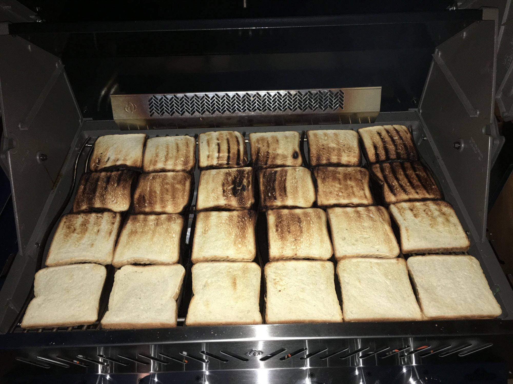 Napoleon Gasgrill Test : Toastbrottest zur bestimmung der hitzeverteilung beim gasgrill