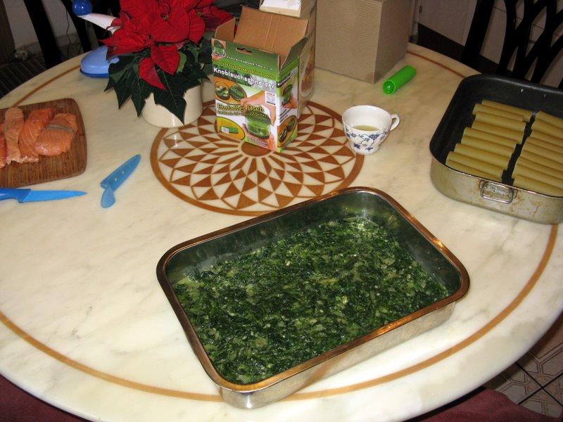 lachs cannelloni auf spinat grillforum und bbq. Black Bedroom Furniture Sets. Home Design Ideas