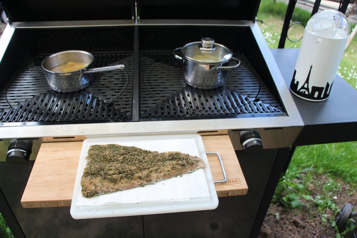 karfreitagsgrillen 2014 wildlachs feldsalat mit shrimps grillforum und bbq www. Black Bedroom Furniture Sets. Home Design Ideas