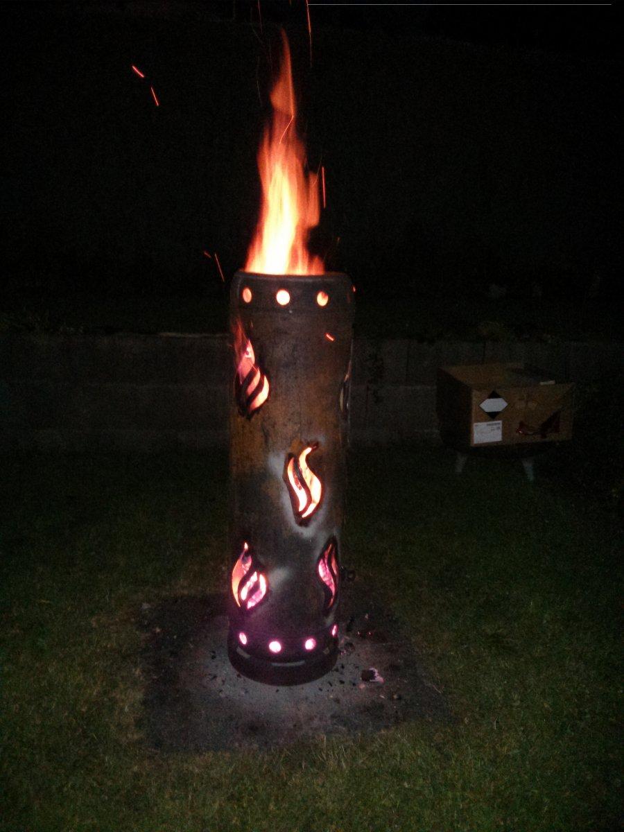 feuertonne aus einer gasflasche geschnitzt vorstellung grillforum und bbq www. Black Bedroom Furniture Sets. Home Design Ideas
