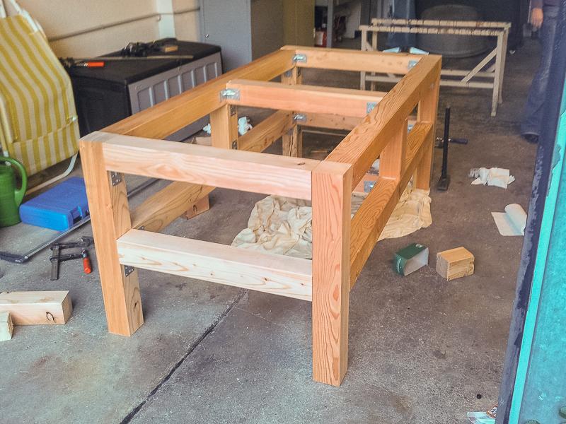 grilltisch f r primo oval xl grillforum und bbq. Black Bedroom Furniture Sets. Home Design Ideas