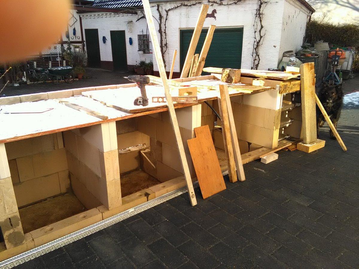 nach dem hausbau fange ich mal an mir eine outdoork che zu bauen grillforum und bbq www. Black Bedroom Furniture Sets. Home Design Ideas