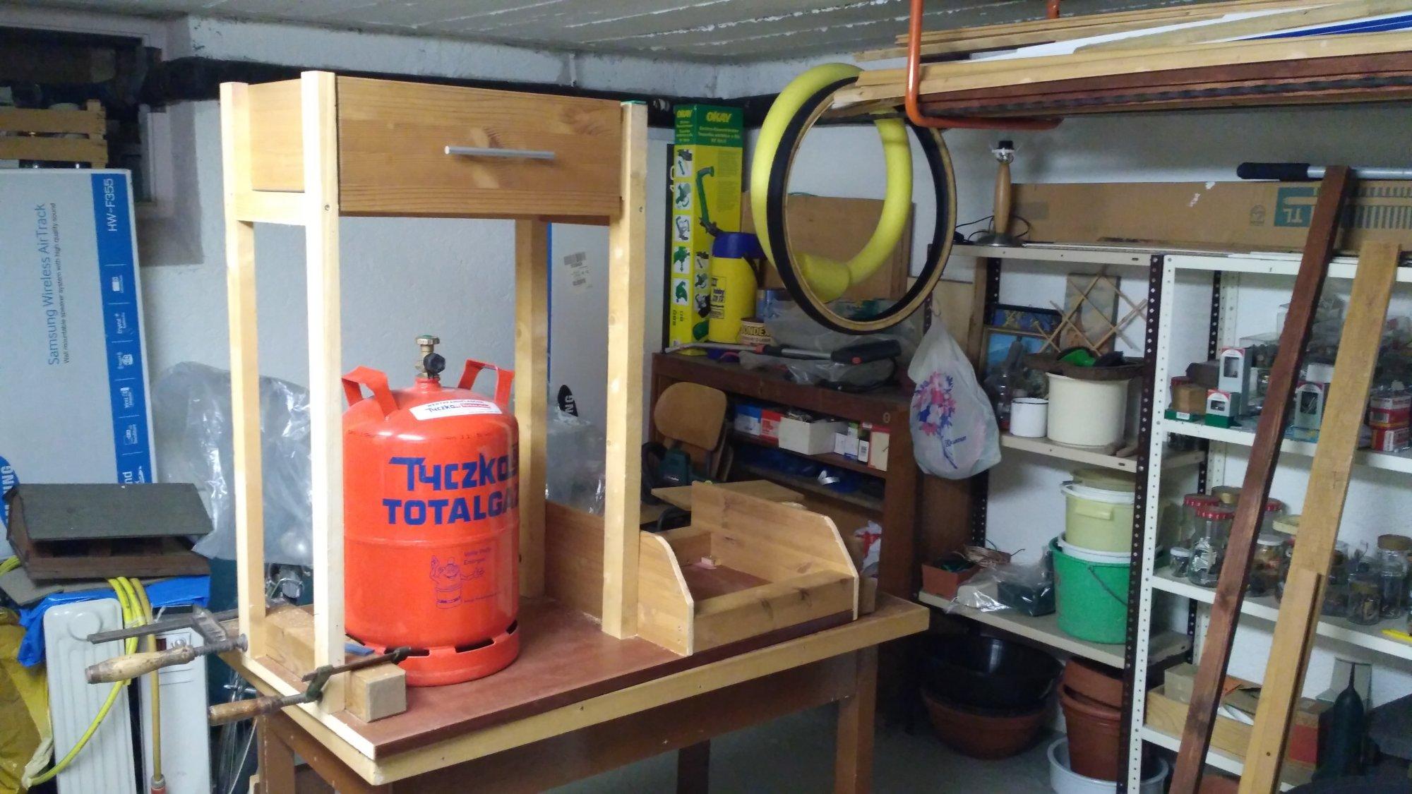 Outdoorküche Klappbar Forum : Der gas wsm bekommt einen fahrbaren untersatz grillforum und bbq