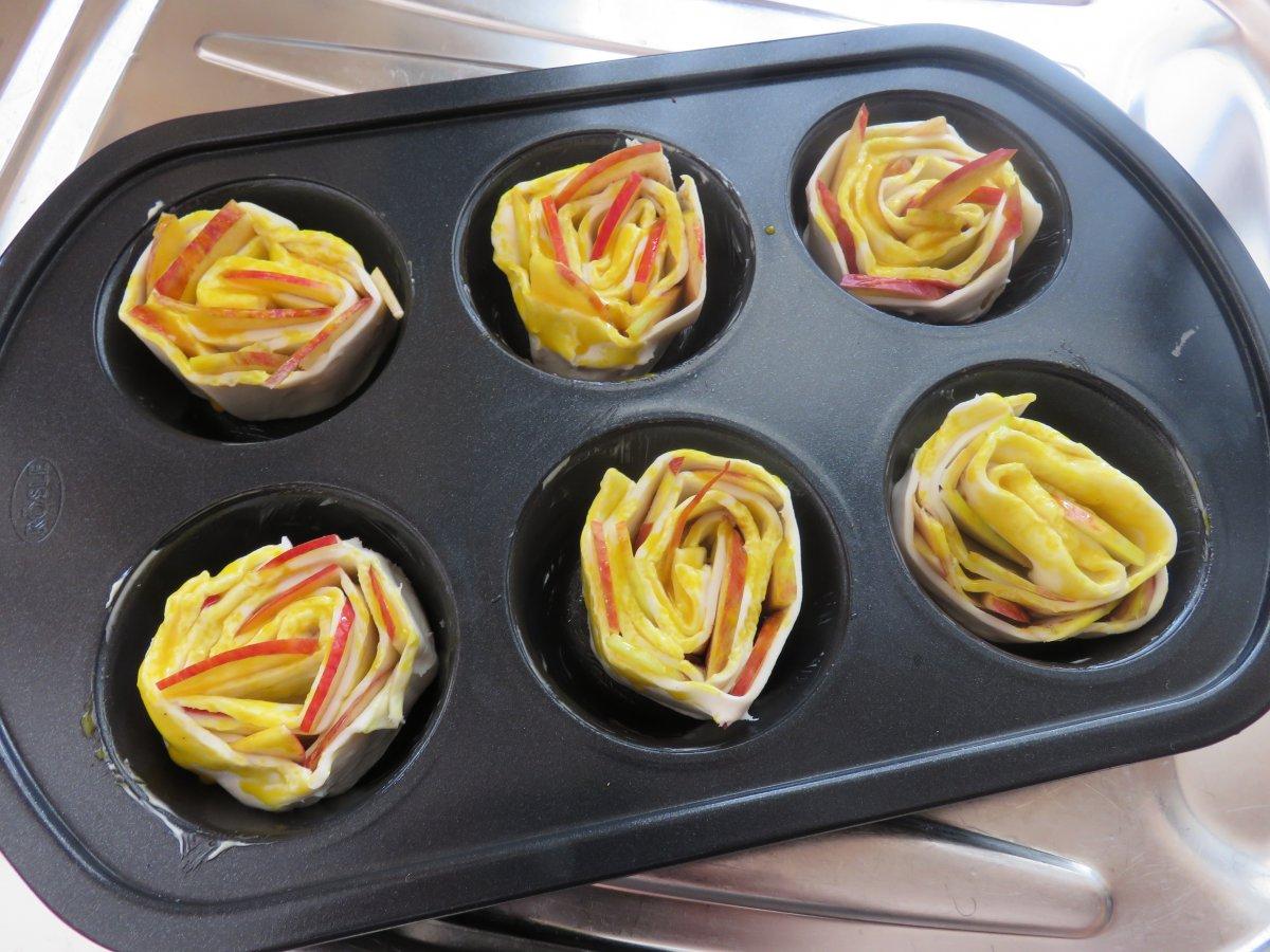 apfel rosen muffins apfel rosen muffins von bl mchen 77. Black Bedroom Furniture Sets. Home Design Ideas
