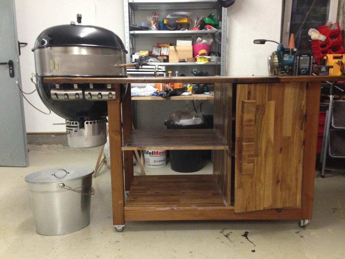 grillwagen 57er kugel weber grillforum und bbq www. Black Bedroom Furniture Sets. Home Design Ideas