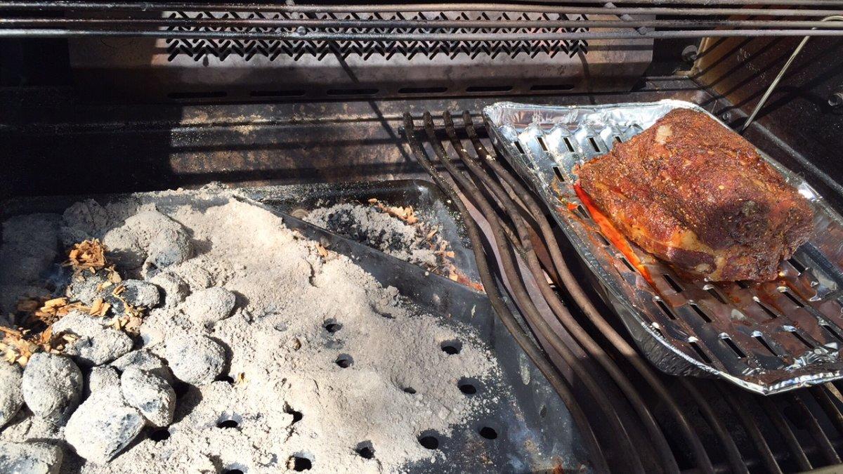 Pulled Pork Gasgrill Grillsportverein : Pulled pork smoked im napoleon p500 grillforum und bbq www