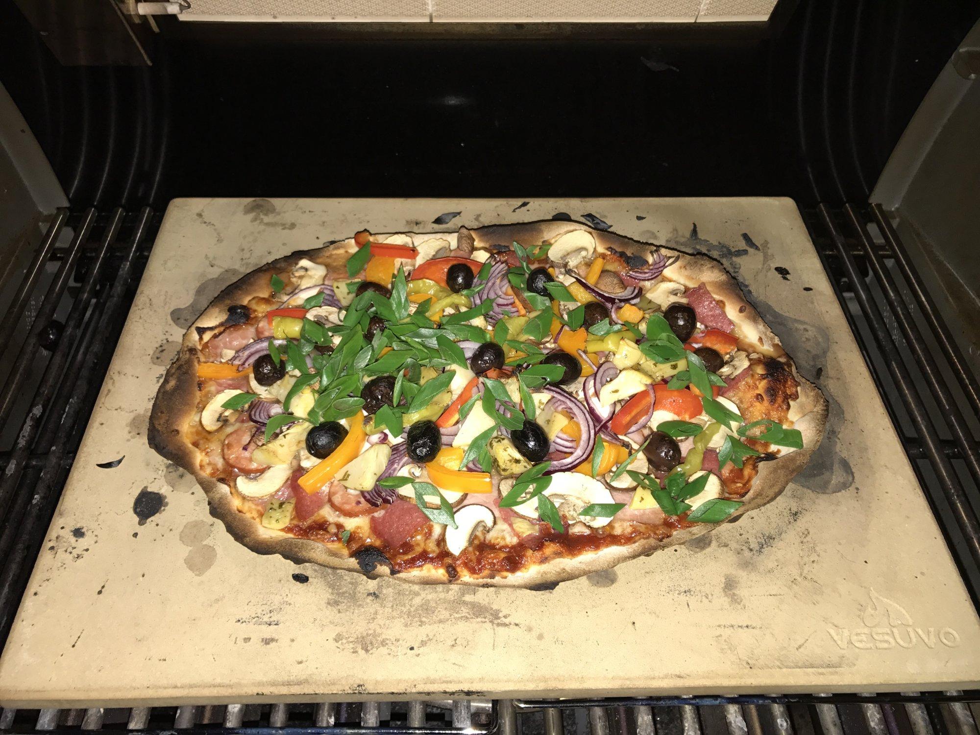Pizza Gasgrill : Erste pizza im gasgrill grillforum und bbq www