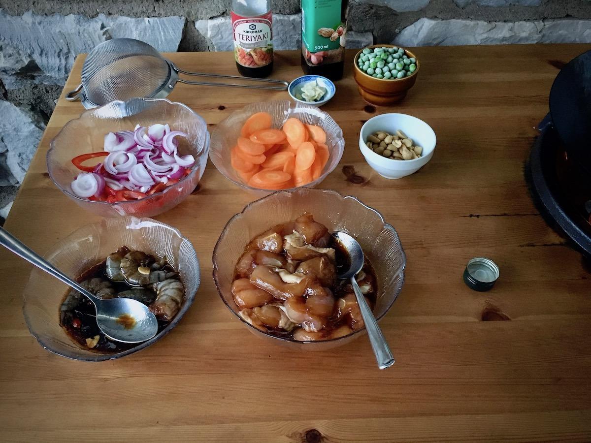 Schnelle Küche vom Drachen: Huhn, Garnelen & Gemüse | Grillforum und ...