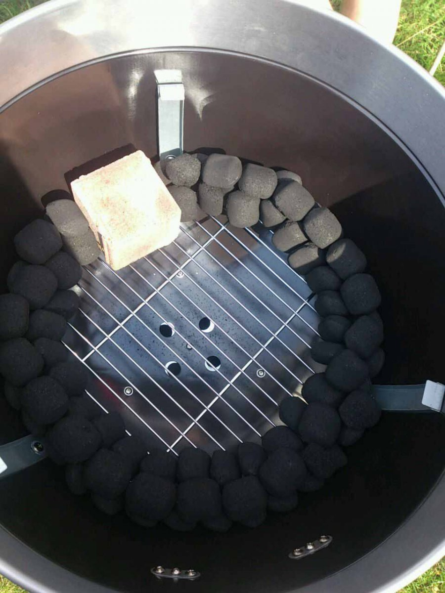 problem mit meinerm jamie oliver 57er kugelgrill grillforum und bbq. Black Bedroom Furniture Sets. Home Design Ideas