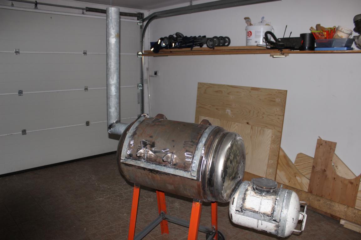 smokerneubau aus einem wasserboiler grillforum und bbq. Black Bedroom Furniture Sets. Home Design Ideas