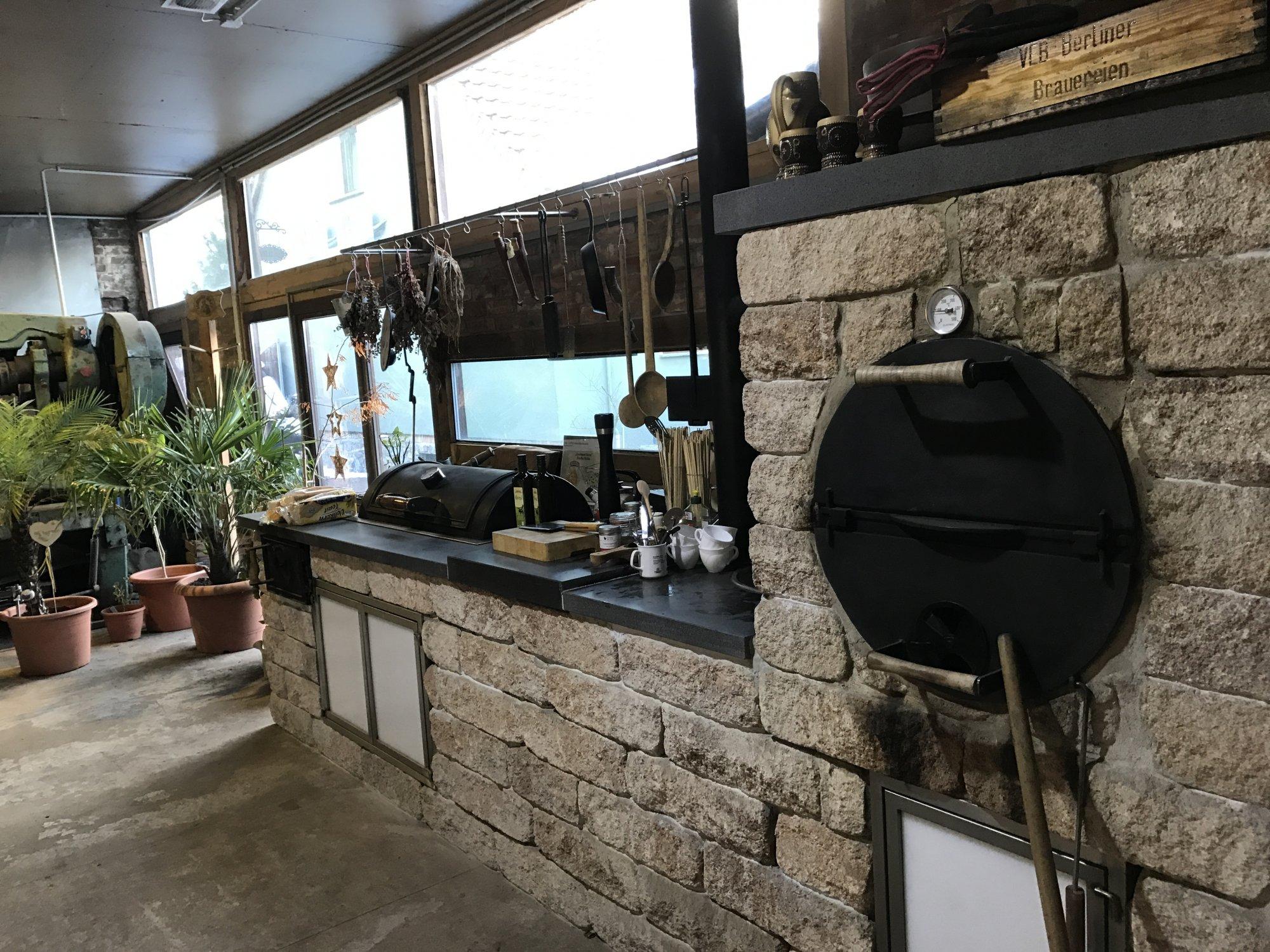 Outdoorküche Weber Xl : So sieht eine outdoorküche aus wenn die großen kinder feiern