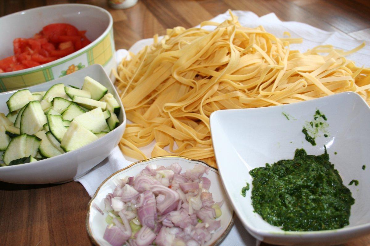 vegetarisch selbstgemachte pasta mit b rlauch gem se so e grillforum und bbq www. Black Bedroom Furniture Sets. Home Design Ideas