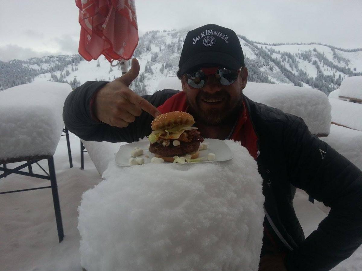 jacke-the-iceburger-warmup-2.jpg