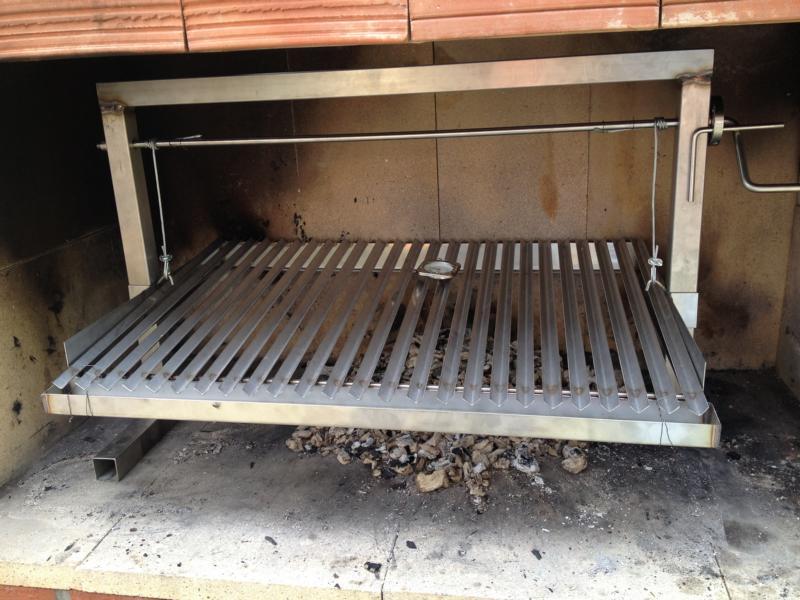 gemauerter parrilla grill spanferkel grill seite 2 grillforum und bbq www. Black Bedroom Furniture Sets. Home Design Ideas