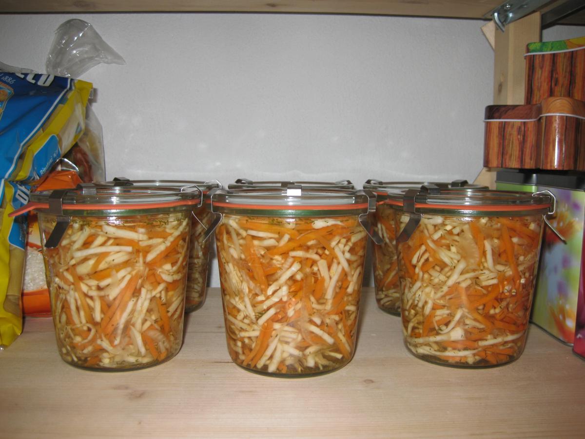 Karotten-Sellerie-Salat.jpg