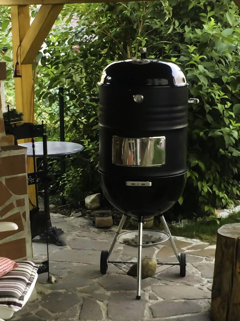 smoker weber kugelgrill umgebaut zum watersmoker 57cm grillforum und bbq www. Black Bedroom Furniture Sets. Home Design Ideas