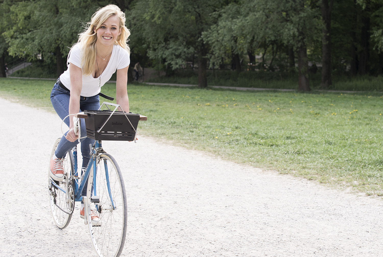 Knister on bike_jessi_klein.jpg