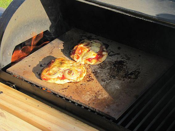 Lecker Pizza2.jpg